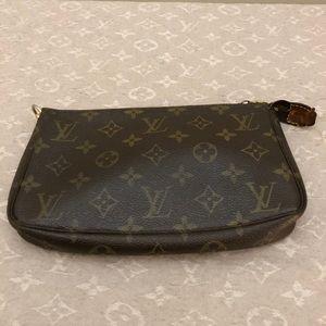 SOLD Authentic Louis Vuitton pochette accessories